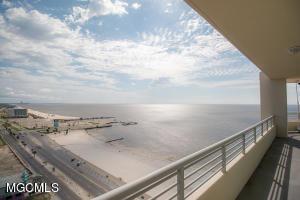 Photo #12 of 2060 Beach Blvd, Biloxi, MS 39531