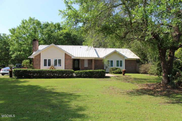 3228 Kings Bridge Rd, Moss Point, Mississippi 39562, 3 Bedrooms Bedrooms, ,2 BathroomsBathrooms,Single-family,For Sale,Kings Bridge,341151