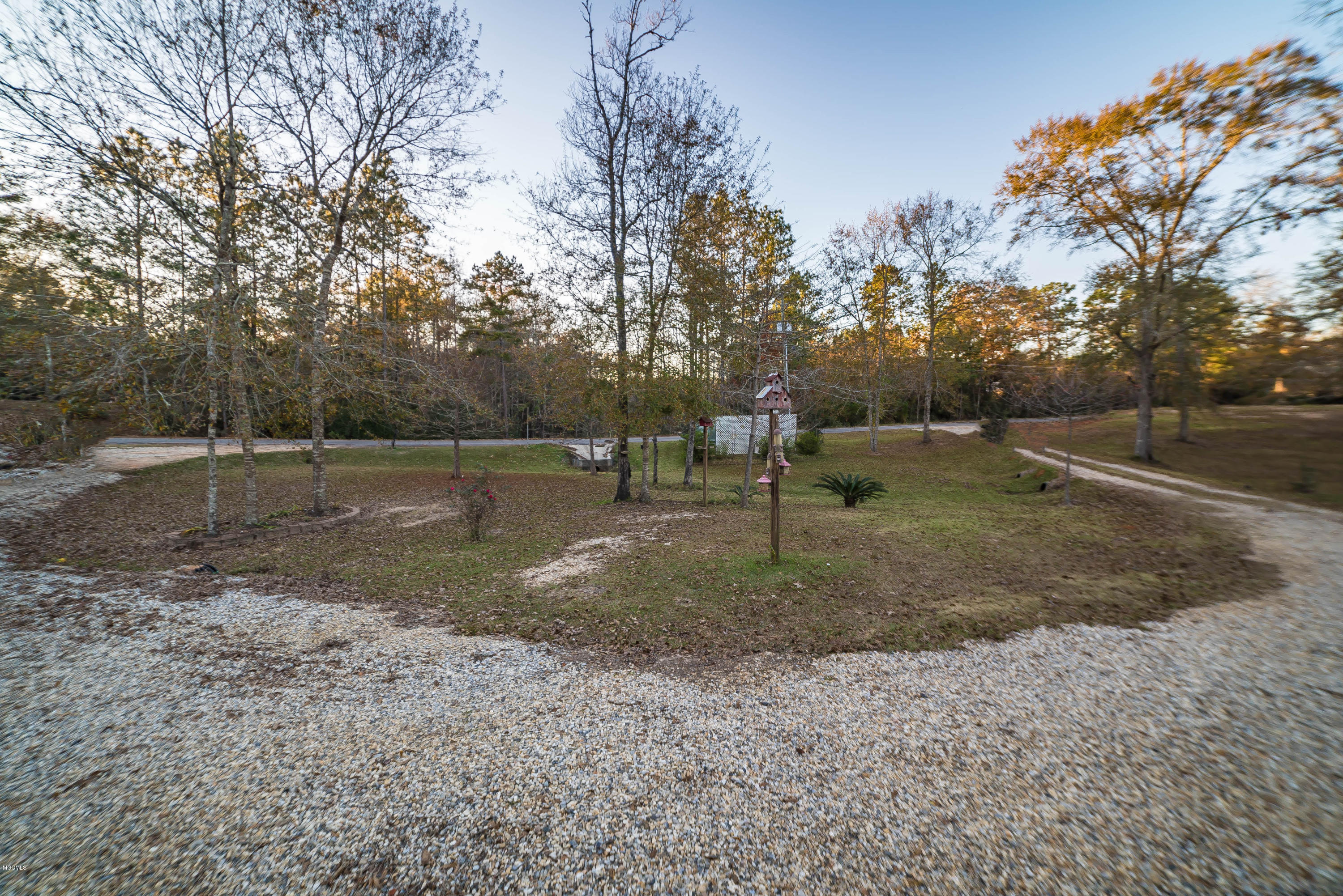 113 Lake Dr, Poplarville, Mississippi 39470, 3 Bedrooms Bedrooms, ,2 BathroomsBathrooms,Single-family,For Sale,Lake,341709