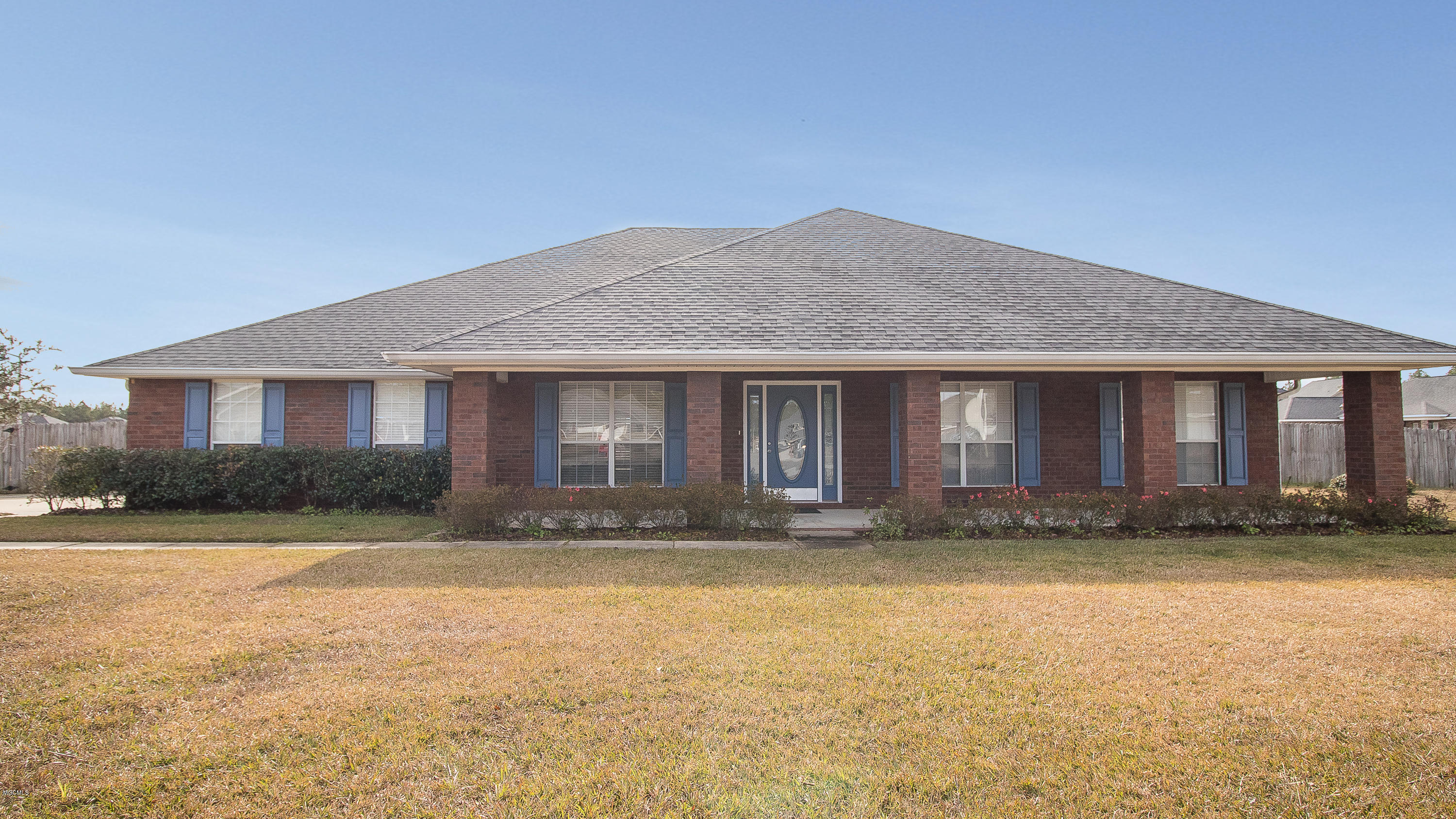 15357 Camelot Dr, D'Iberville, Mississippi 39540, 4 Bedrooms Bedrooms, ,3 BathroomsBathrooms,Single-family,For Sale,Camelot,342001