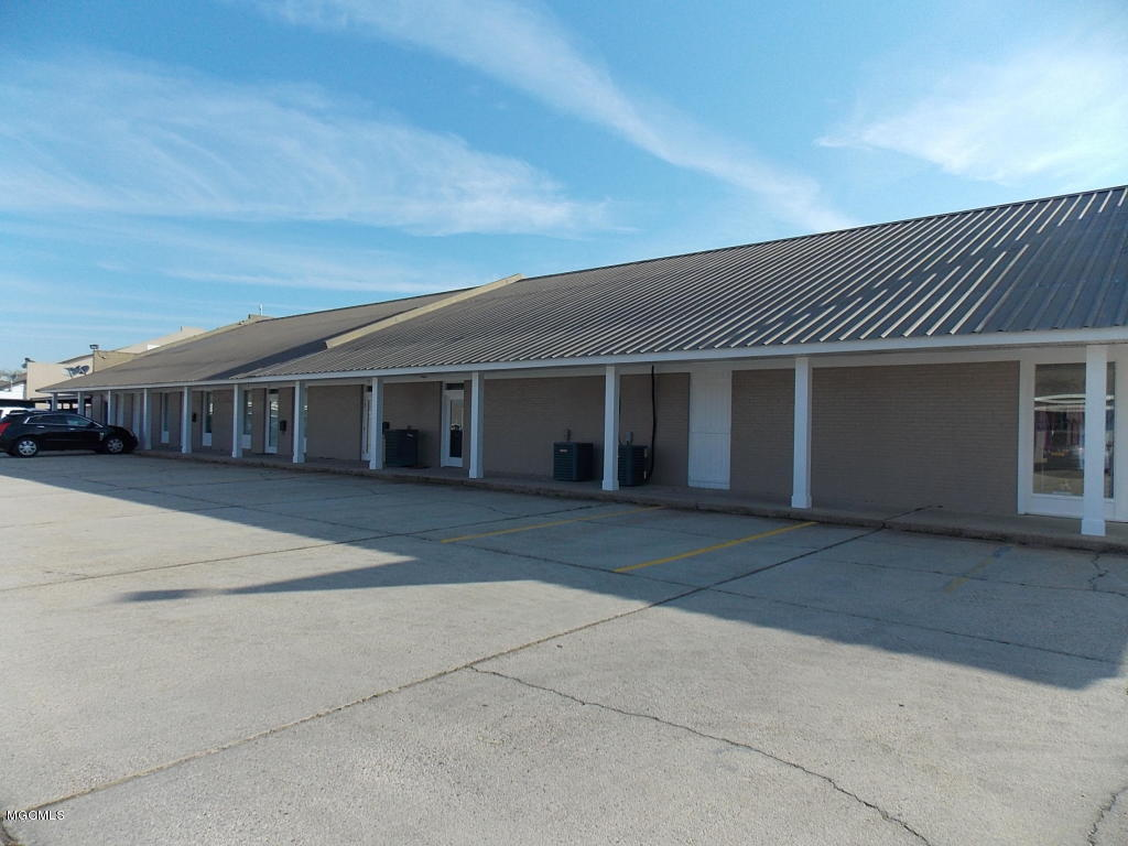 833 Hwy 90, Bay St. Louis, Mississippi 39520, ,Comm/Industrial,For Sale,Hwy 90,342057