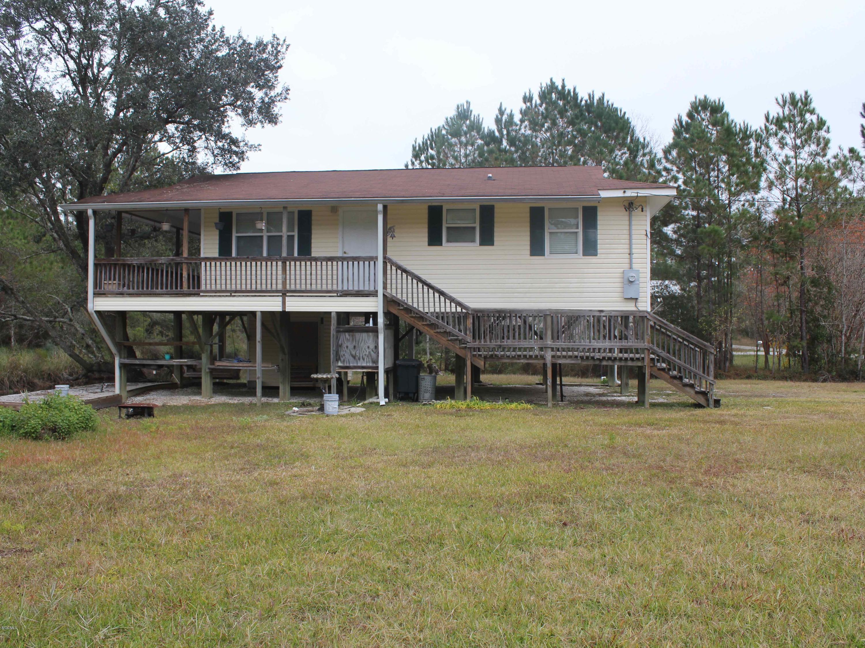 6083 1st St, Bay St. Louis, Mississippi 39520, 2 Bedrooms Bedrooms, ,1 BathroomBathrooms,Single-family,For Sale,1st,342062