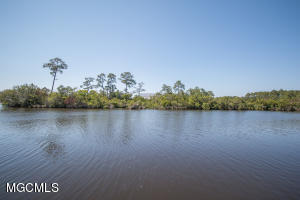Photo #4 of 16 Keyser Ln, Gulfport, MS 39507