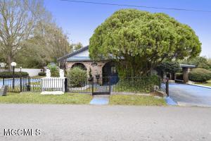 Photo #2 of 818 Handy Ave, Ocean Springs, MS 39564