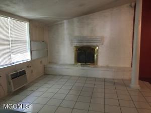 Photo #9 of 818 Handy Ave, Ocean Springs, MS 39564