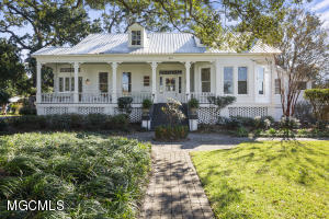 Photo #2 of 810 Iberville Dr, Ocean Springs, MS 39564
