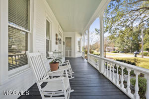 Photo #4 of 810 Iberville Dr, Ocean Springs, MS 39564