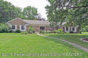 1536 Hitching Post Road, East Lansing, MI 48823