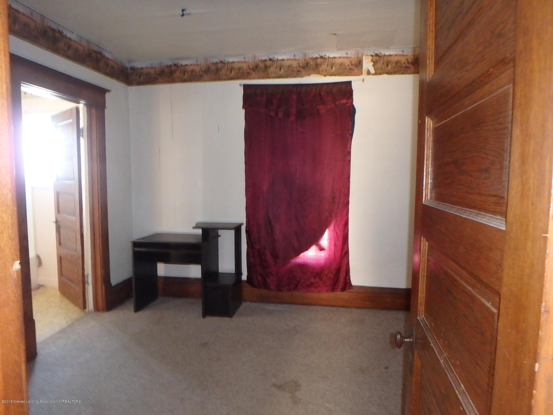 bedroom down:  109 W Stoddard