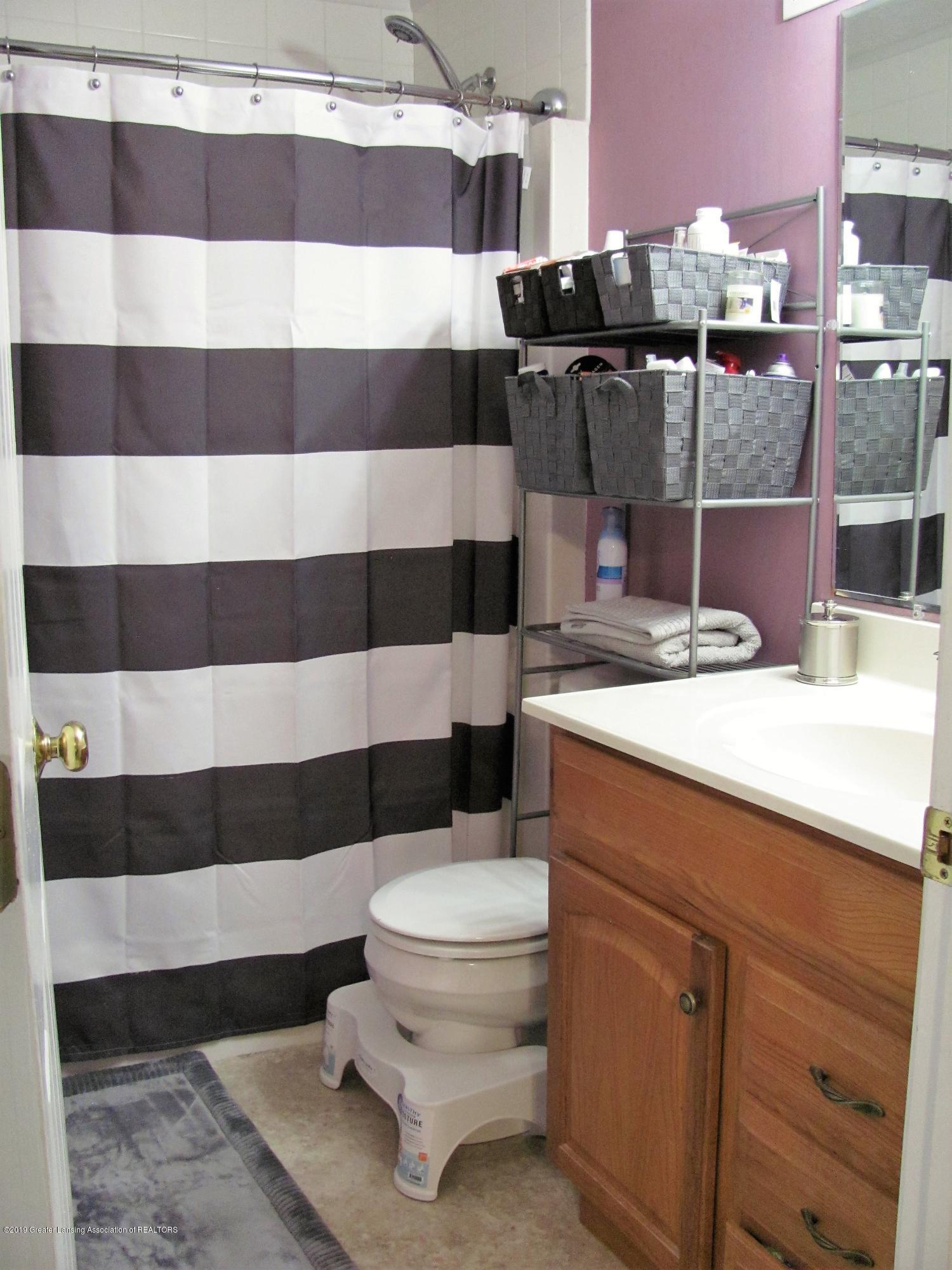 Master bathroom:  1180 Porter Drive