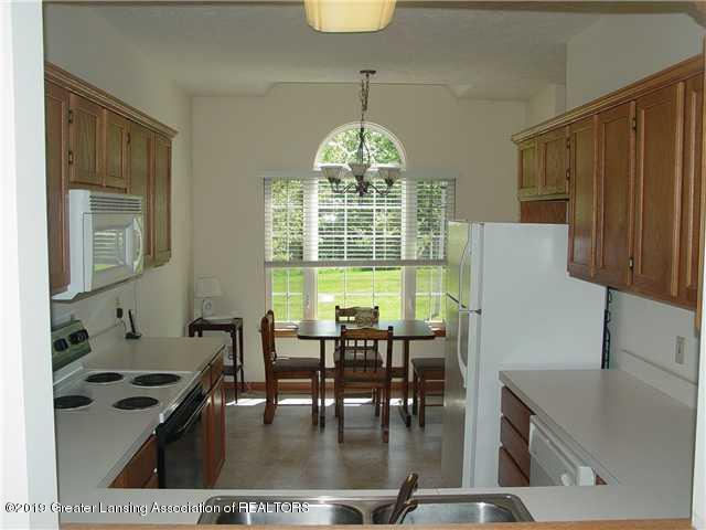 Kitchen:  1426 Safire Court