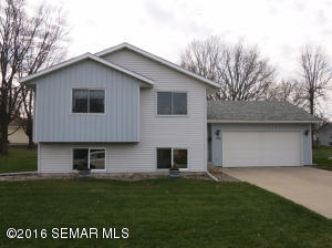 215  19th NE Street, OWATONNA