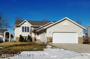 730  Willowbrook NE Drive, OWATONNA