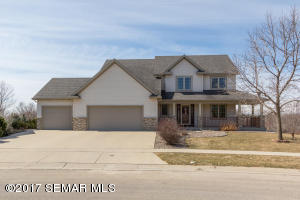 2445  Crimson Ridge NW Circle, ROCHESTER