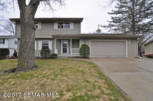 2246  Viking NW Drive, ROCHESTER