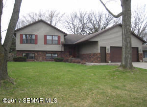 625  16th SW Street, OWATONNA