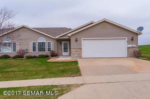 4421 Meadow Lakes NW Drive, ROCHESTER