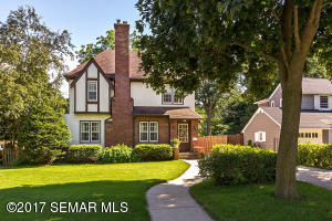 826  10th SW Street, ROCHESTER