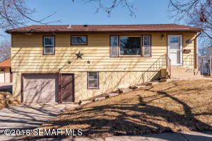 1821  15th NW Street, ROCHESTER