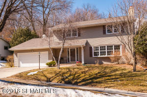 2111  Valkyrie NW Drive, ROCHESTER
