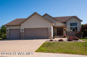 5071  Manor Brook NW Drive, ROCHESTER