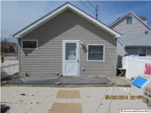Photo of home for sale at 197 Central W, South Seaside Park NJ