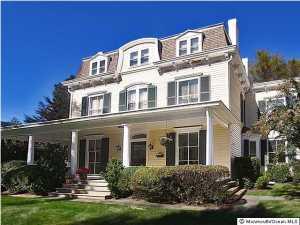 Photo of home for sale at 450 Sycamore Avenue Avenue, Shrewsbury Boro NJ