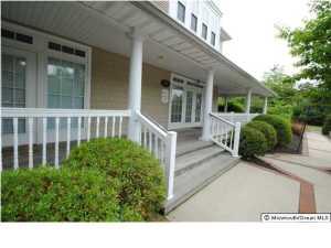Photo of home for sale at Main Street Street N, Manahawkin NJ