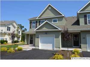 Photo of home for sale at 19 Wiley Way Way, Toms River NJ