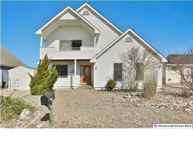 Photo of home for sale at 1832 Mill Creek Road Road, Manahawkin NJ