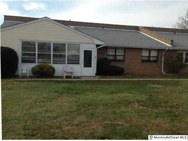 Photo of home for sale at 32 River Edge Drive Drive, Brick NJ