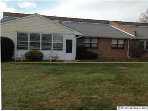 Photo of home for sale at 32 River Edge Drive Drive, Brick NJ