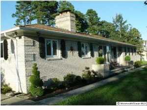 Photo of home for sale at 265 Third Avenue Avenue, Berkeley NJ