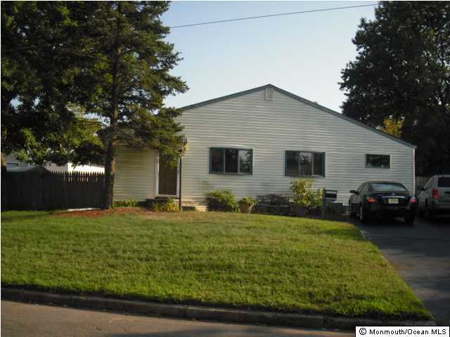 Photo of home for sale at 12 Lammers Street Street, Hazlet NJ