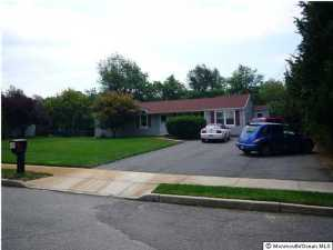 Photo of home for sale at 633 Commodore Boulevard Boulevard W, Jackson NJ
