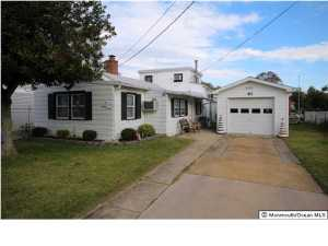 Photo of home for sale at 87 Baltic Avenue Avenue, Waretown NJ