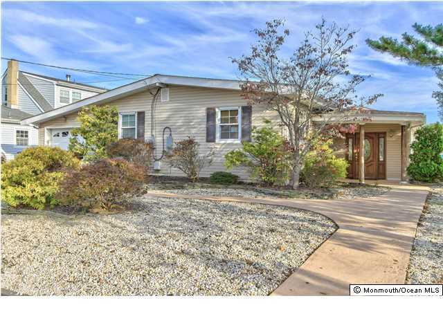 Photo of home for sale at 21 Alcala Drive Drive, Brick NJ