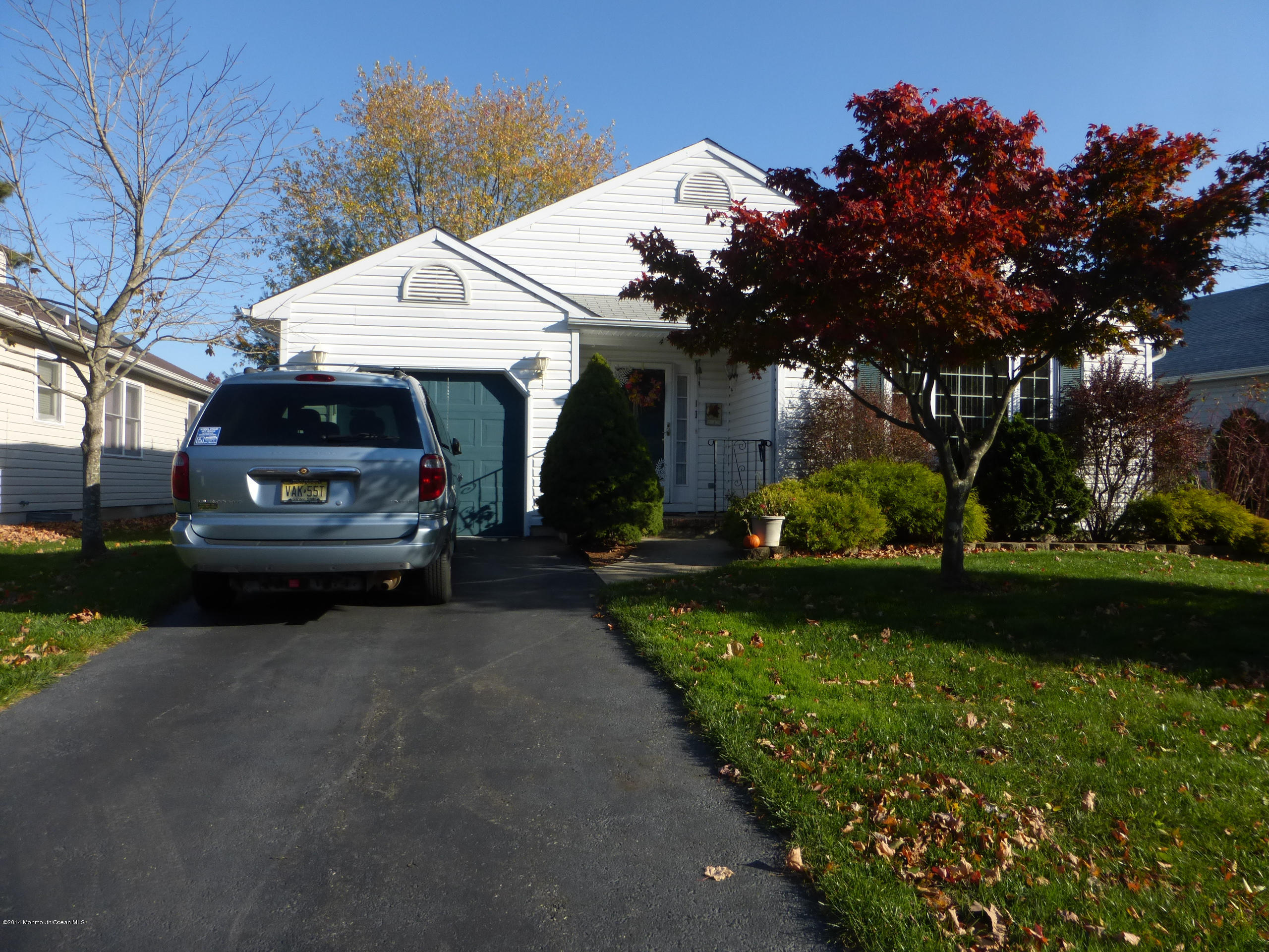 Photo of home for sale at 4 Brant Drive Drive, Brick NJ