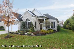 Photo of home for sale at 2 Quincy Court Court, Freehold NJ