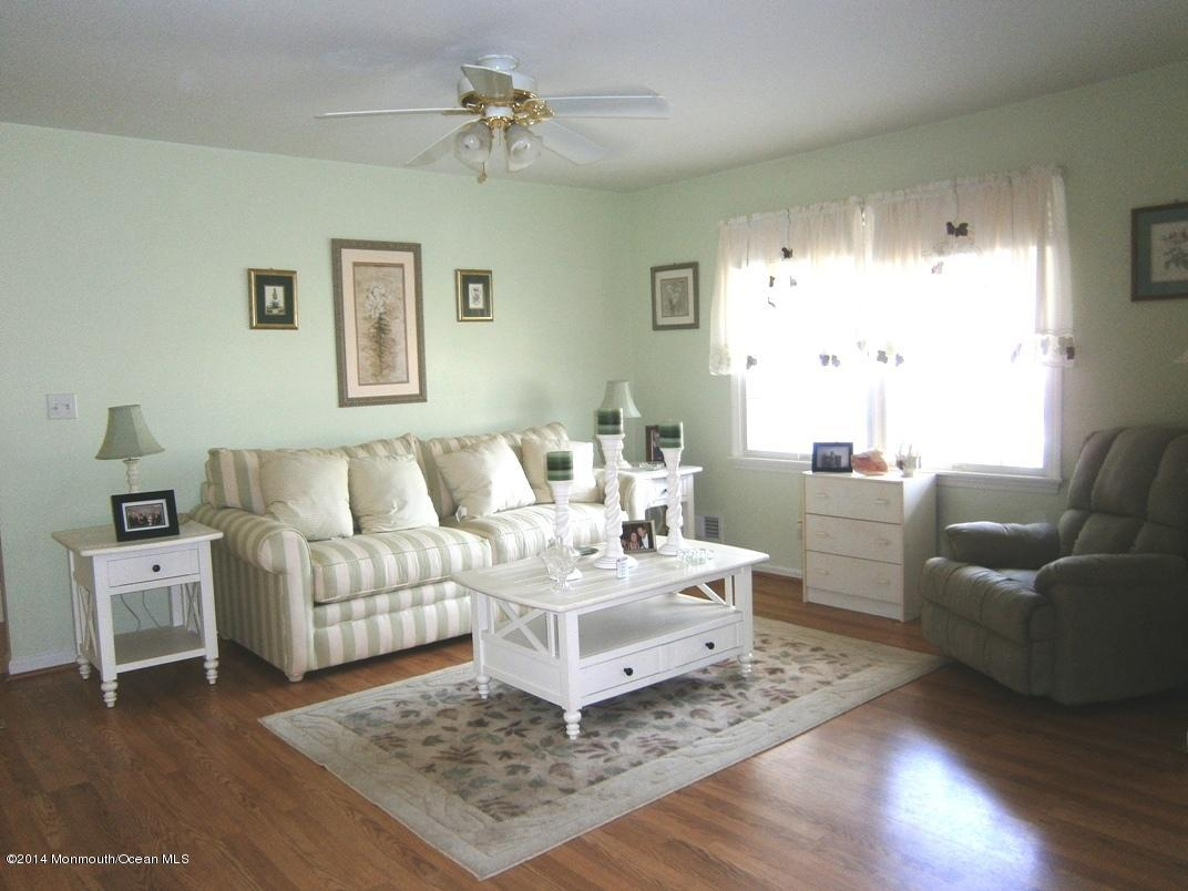 Photo of home for sale at 5 Tom Gray Court Court, Forked River NJ