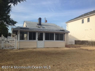 Photo of home for sale at 11 Sea Gull Point Point, Bayville NJ