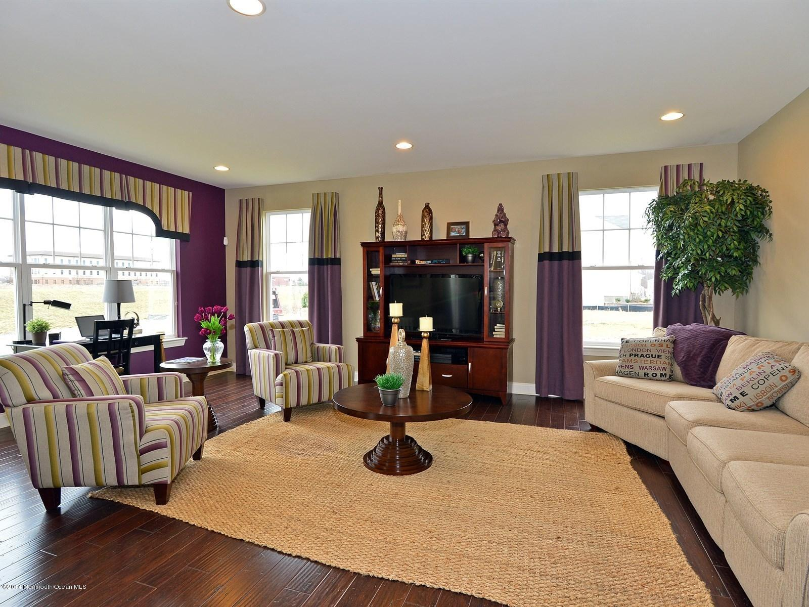 Photo of home for sale at 9 Pasteur Court Court, East Windsor NJ