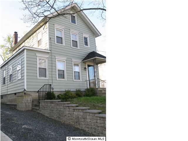 Photo of home for sale at 219 2nd Street Street, Keyport NJ