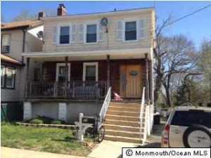 Photo of home for sale at 25 Park Avenue Avenue, Matawan NJ