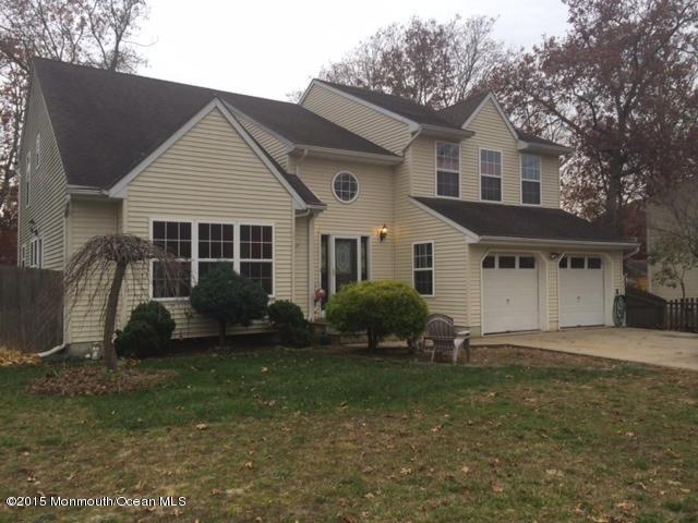 Photo of home for sale at 616 Birmingham Avenue Avenue, Toms River NJ