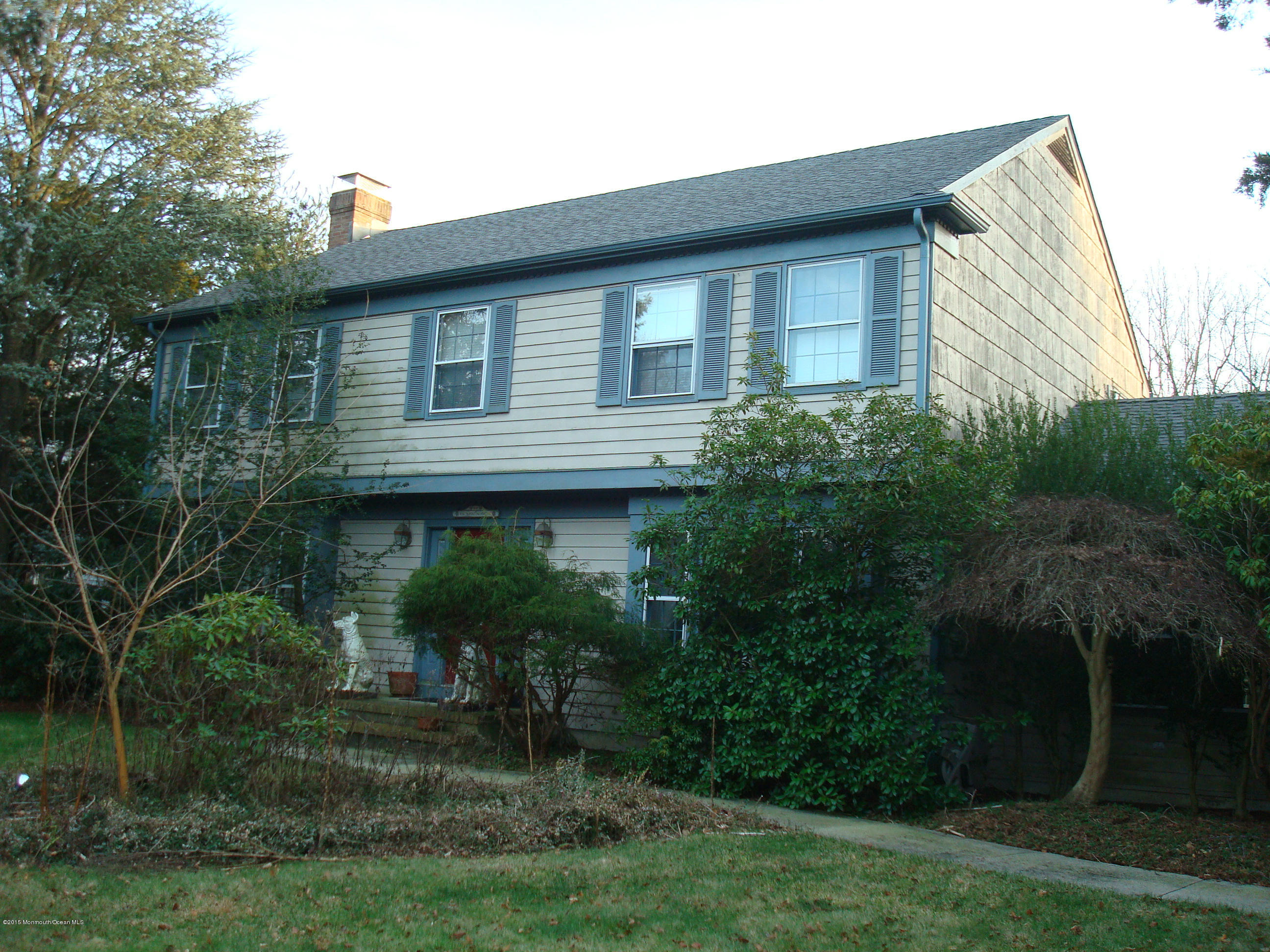 Photo of home for sale at 183 Lamdan Lane Lane, Toms River NJ