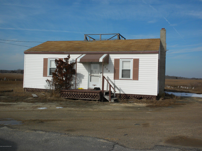 Photo of home for sale at 1159 Mallard Drive Drive W, Manahawkin NJ