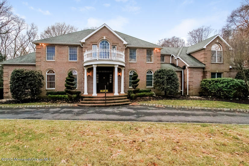 Photo of home for sale at 10 Country Meadow Drive Drive, Colts Neck NJ