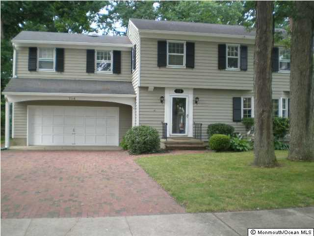Photo of home for sale at 714 Boston Boulevard Boulevard, Sea Girt NJ