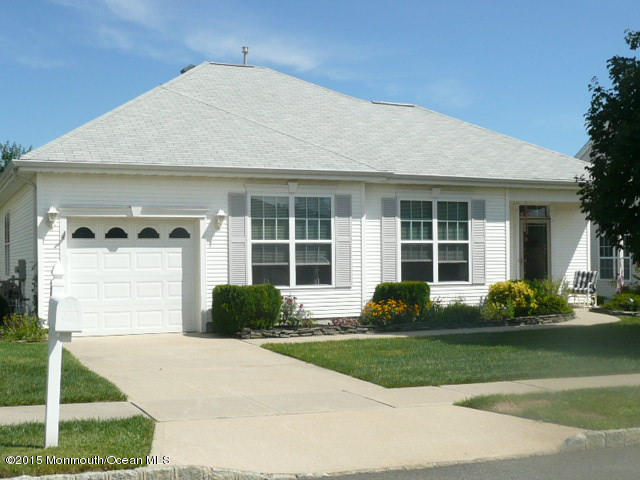 Photo of home for sale at 28 Windstar Drive Drive, Little Egg Harbor NJ